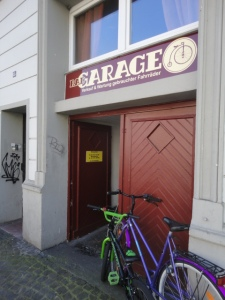 DSC05646 Rad Garage