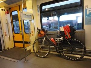 DSC06897 bikeintrain