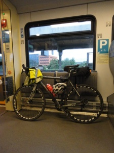 DSC07137 bikeintrain